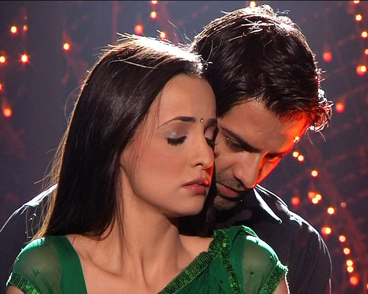 Arnav and Khushi Wallpapers http://bombybo.blogspot.com/2012/01/khushi-arnav-spicy-wallpapers.html