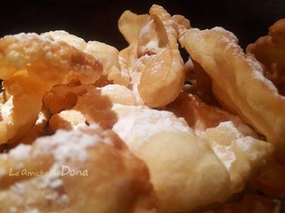 frappe a typical italian carnival dessert recipe - frappe di carnevale #frappericetta #chiacchierericetta #italiancarnivaldessert #dolcidicarnevale