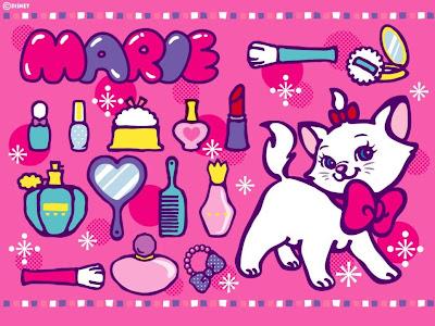 gatita Marie con cosméticos