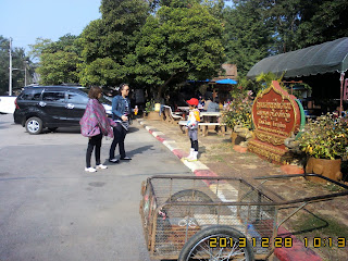 CHIANGMAI TOUR SERVICE TO JOAN'S FAMILY ON 28 DEC 2013