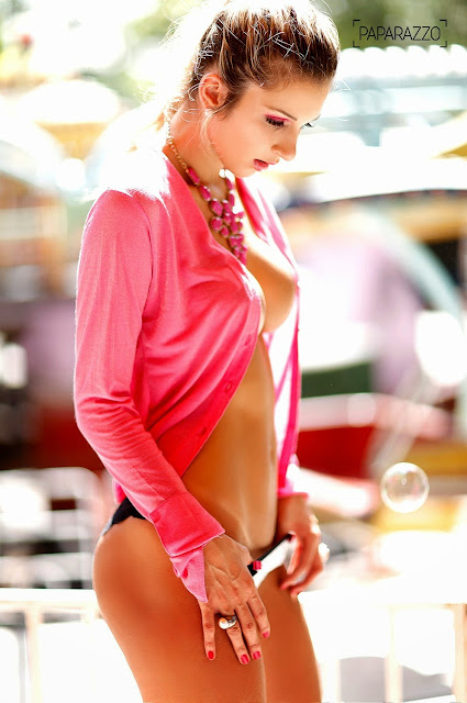 BBB Tatiele Polyana nua no ensaio sensual do Paparazzo