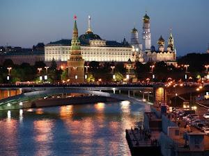 Joven rusa quiso sacarse una selfie y murió al caer de un puente