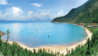 Son Tra Peninsula beach