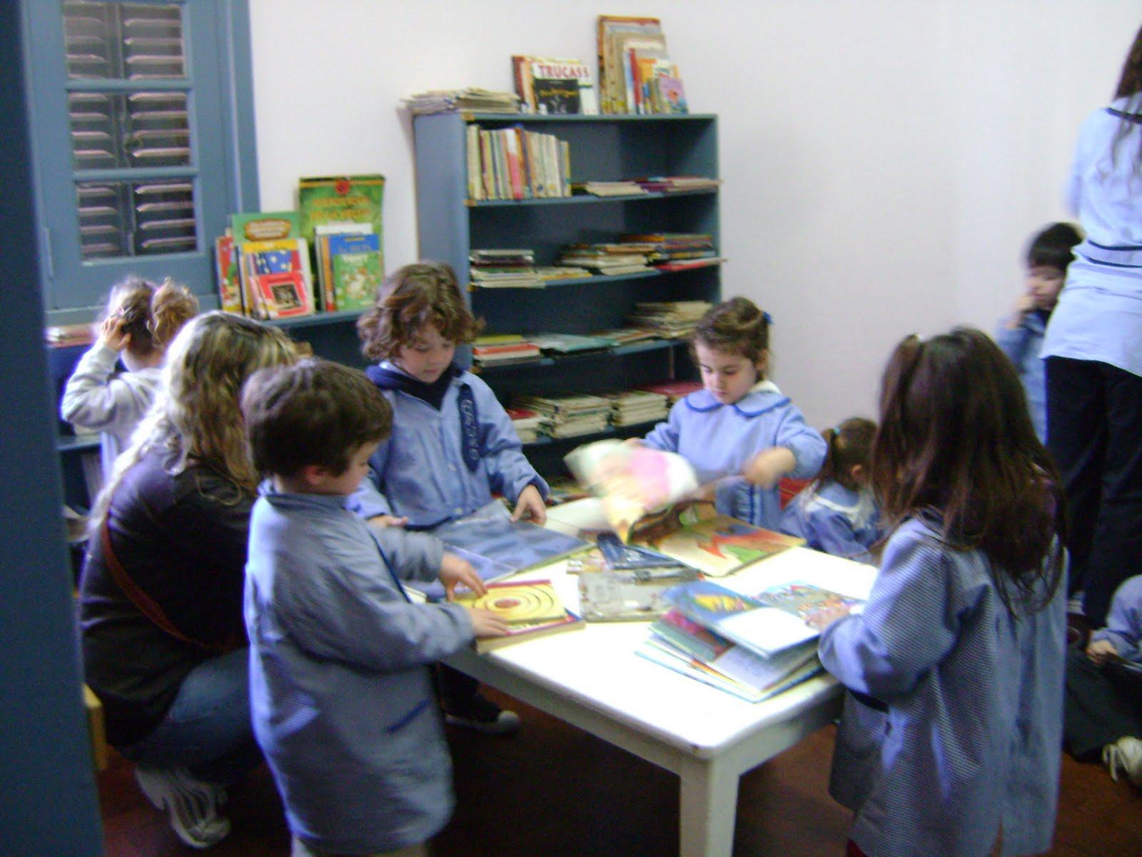 Sala abierta de lectura infanto juvenil jard n n 911 for Jardin 911