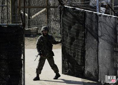 Binh sĩ Hàn Quốc ở thành phố Paju, gần làng Bàn Môn Điếm ở biên giới Triều Tiên - Hàn Quốc vào ngày 7/4. Ảnh: AP.