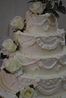 4 tiers wedding cake