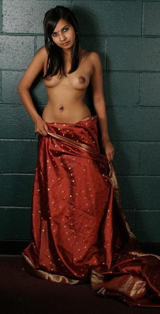 Sexy Hot Desi Indian Girl Removing Her Red Saree indianudesi.com