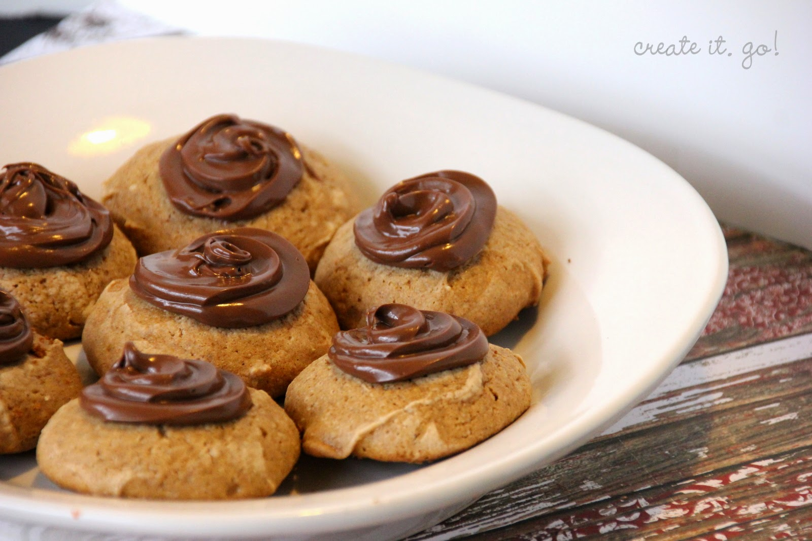Spiced Hazelnut Cookies with Chocolate Hazelnut Topping ~ Create it ...