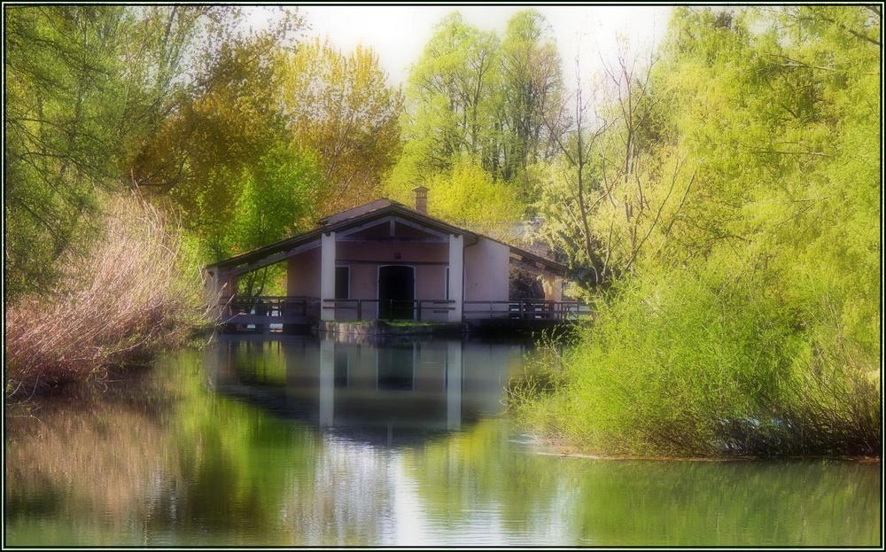 Dietro l 39 angolo for Disegni casa sul lago