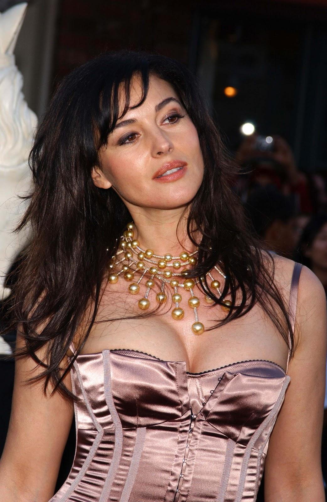 http://3.bp.blogspot.com/-t9RPr6ocMP0/Tf0AD-89FlI/AAAAAAAAARQ/fk-Cs2PzEVY/s1600/monica_bellucci_2003.jpg