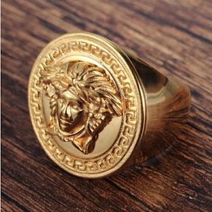 Nhẫn nam Versace Titan inox vàng 316