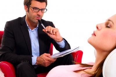 كيف تكون مستمعا جيدا لحبيبك وشريك حياتك  - دكتور نفسى نفسانى يستمع لمريض مريضة - man woman listen session