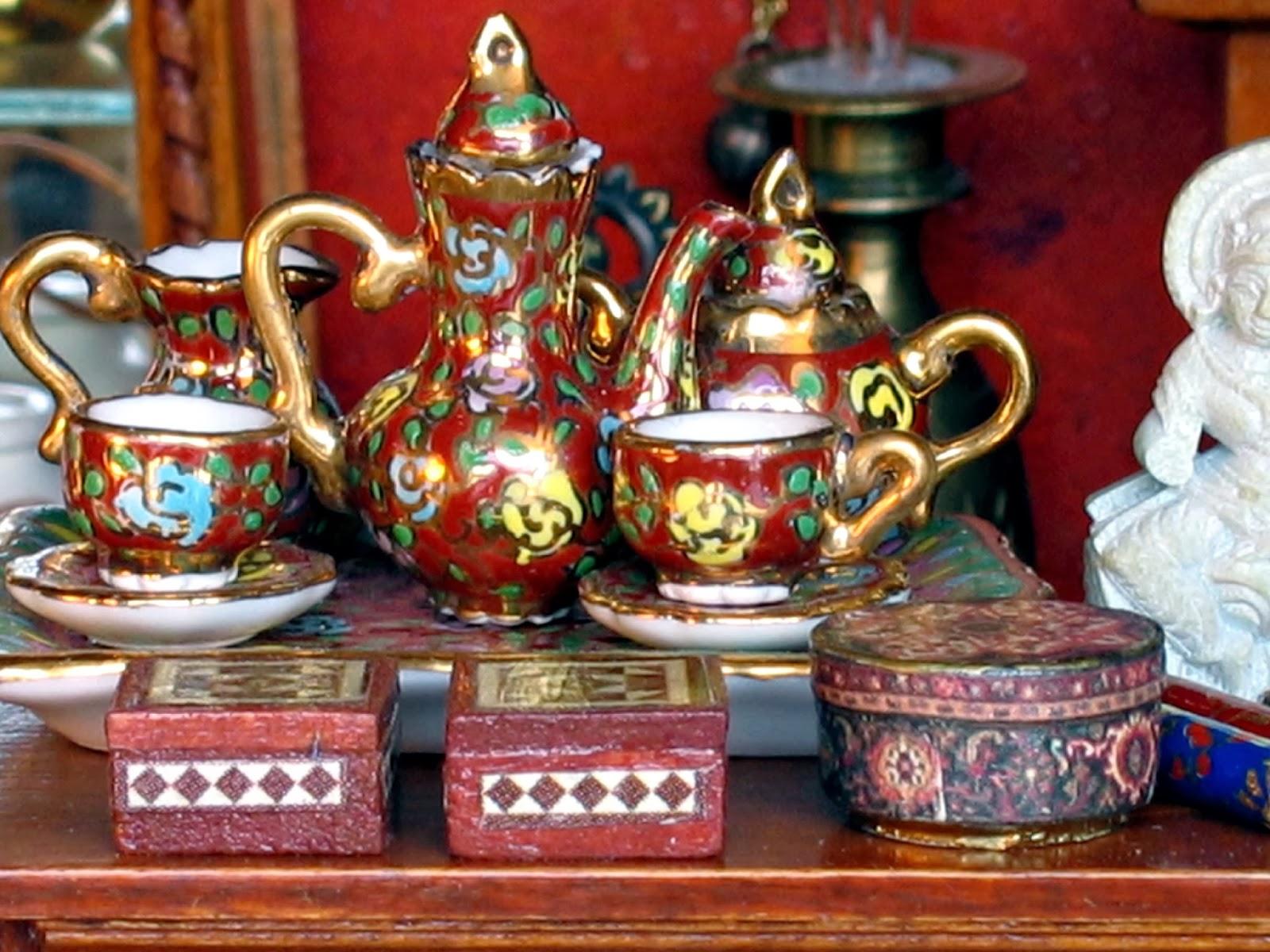dollhouse tea set