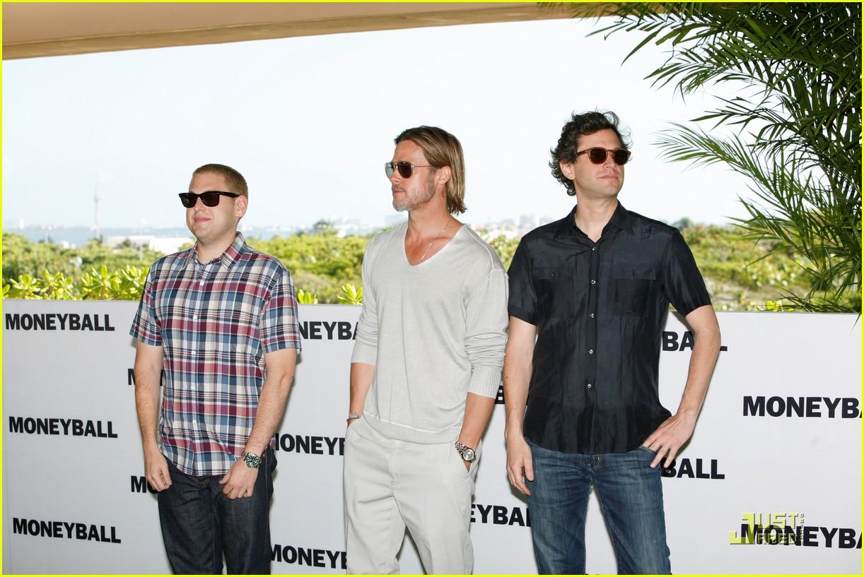 http://3.bp.blogspot.com/-t9sf7_Bfr7c/Th2pCNgZ4hI/AAAAAAAADY8/0ZXgwryeYGM/s1600/brad-pitt-moneyball-blog-de-las-celebridades-del-momento4.jpg