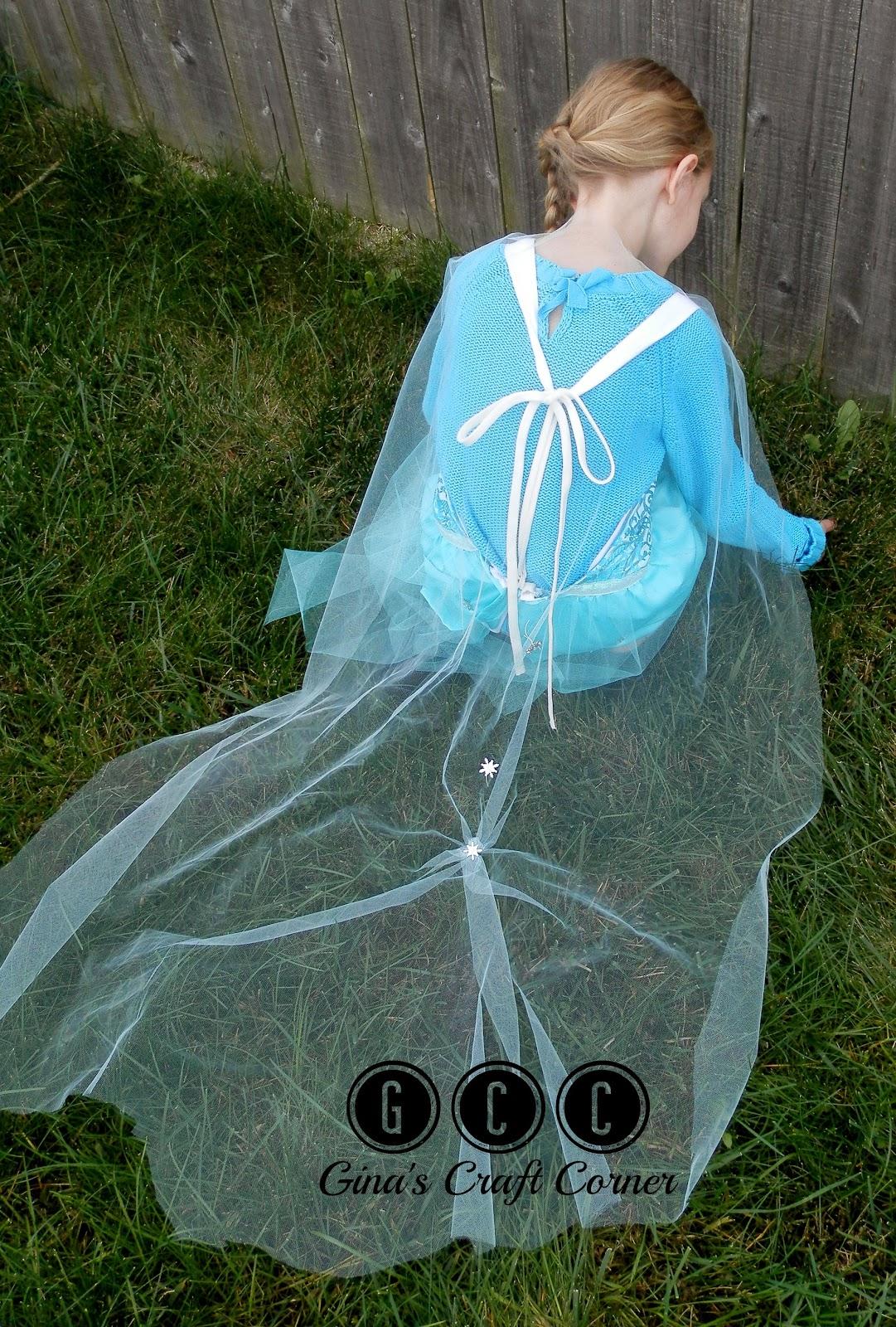 An Easy Elsa Apron Dress by Ginas Craft Corner