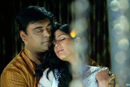 Ram Kapoor and Saakshi Kapoor Love Making in Bade Ache Laggte Hai  - Saakshi Tanwar Love Making Scene