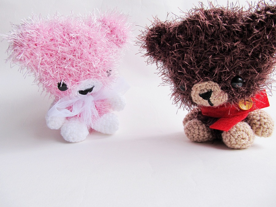 Amigurumi With Eyelash Yarn : {Amigurumi Leah the Bear} - Little Things Blogged