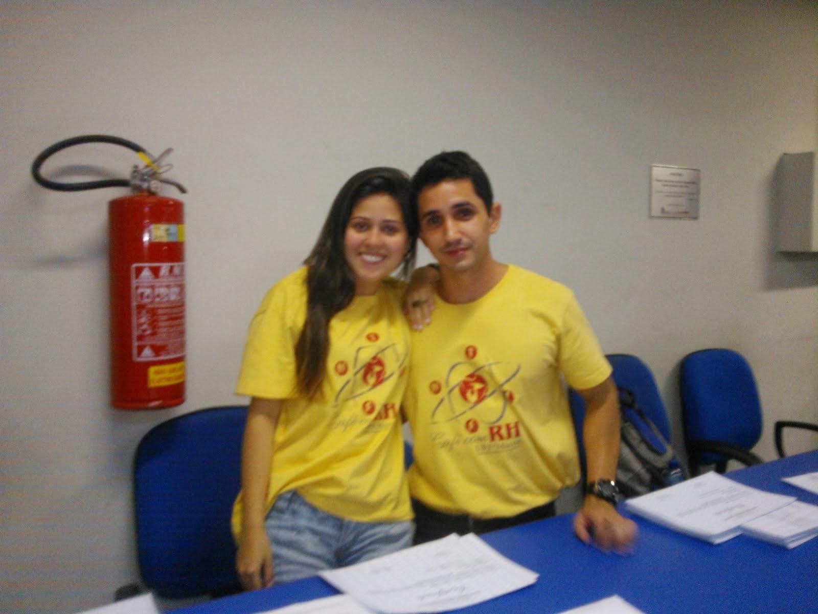 Natalia bolsista  e  Wallace voluntario