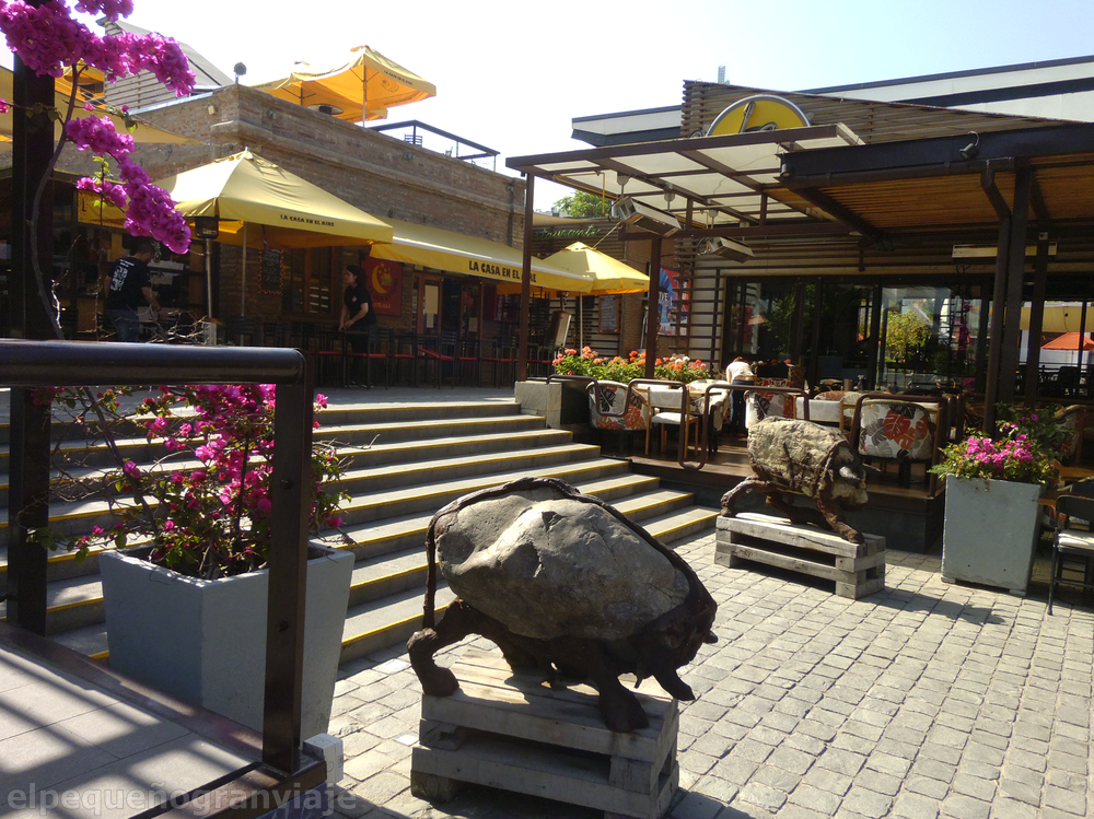 Santiago de Chile, Chile, Patio Bellavista, esculturas,paseo