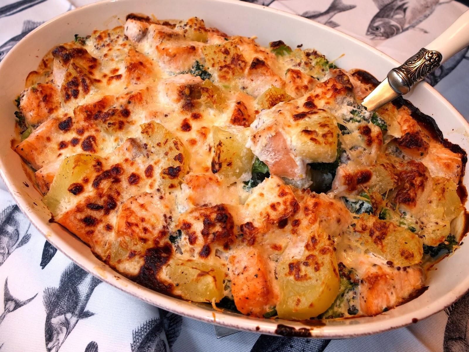 Cocinando con lola garc a salm n con br coli y patatas al for Cocinar patatas al horno