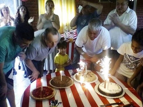 festejamos los cumpleaños de amigos Pinchas