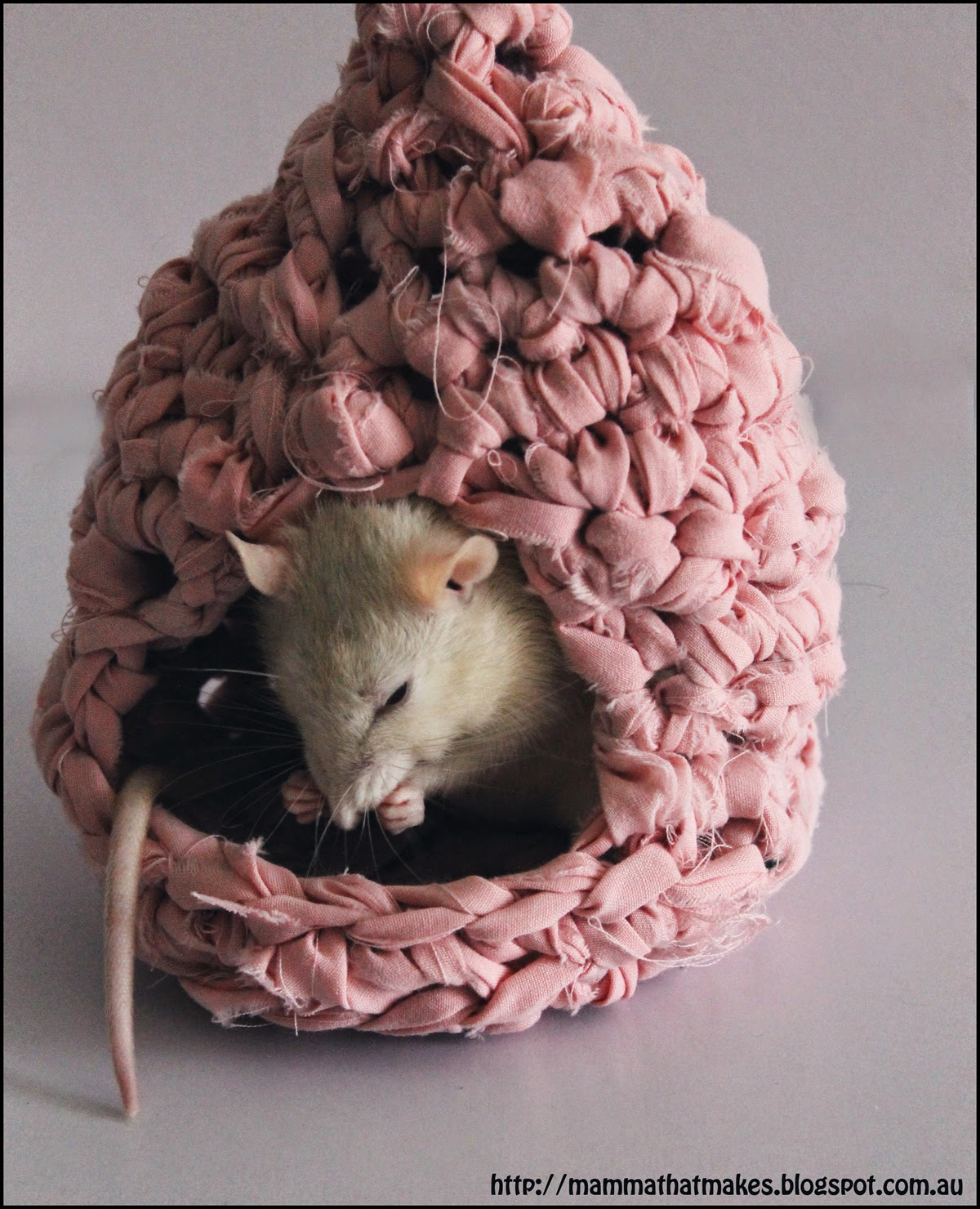 Mamma That Makes: Rattie Houses from Upcycled Bedsheets