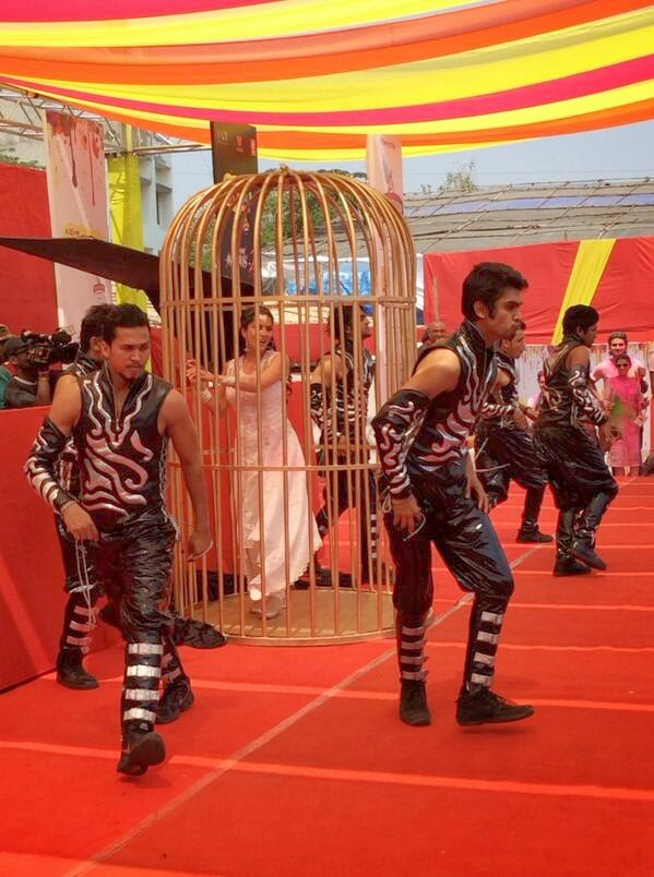 Live performance of Ragini MMS 2 actress, Baby Doll Sunny Leone