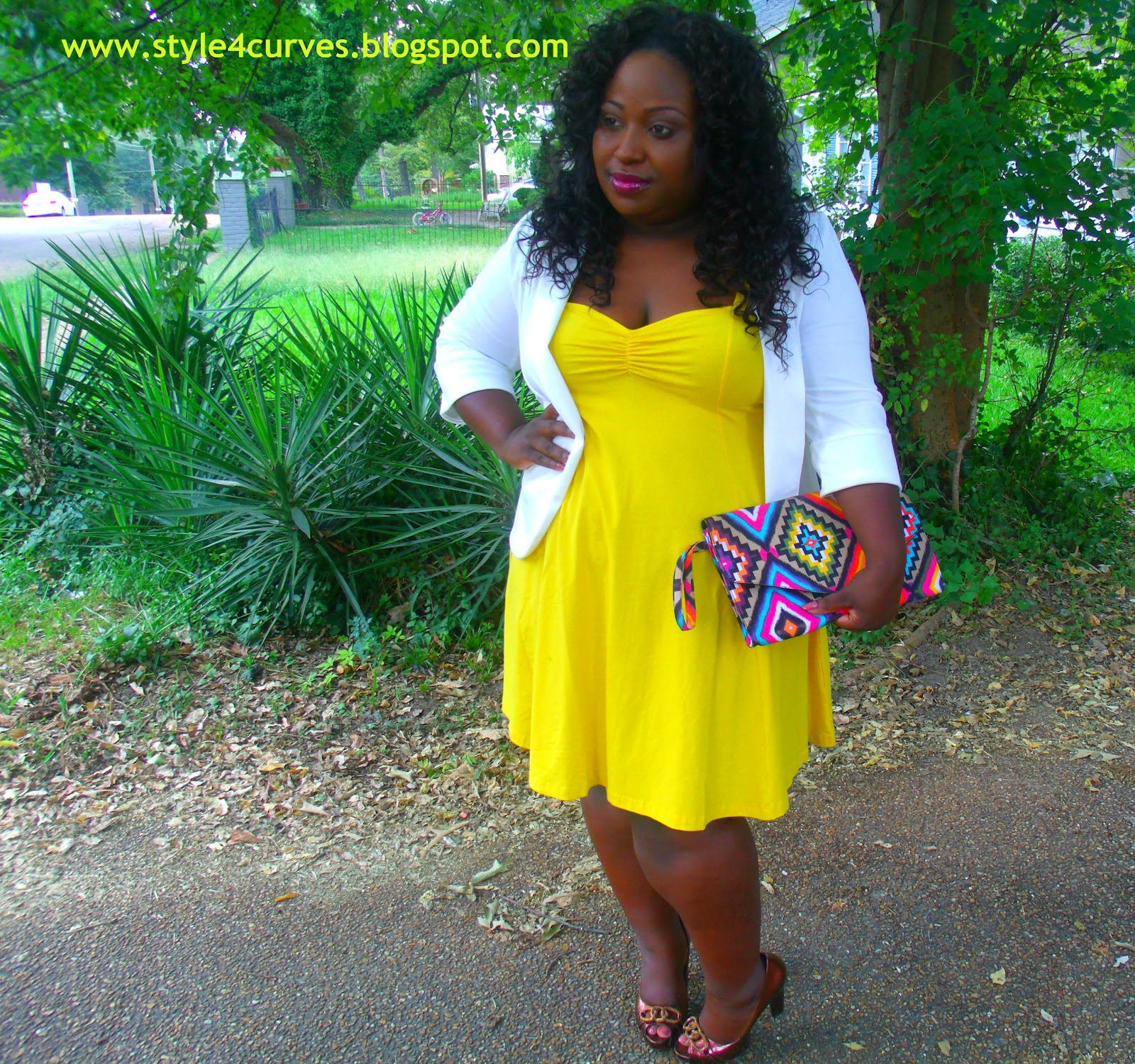 Yellow dress what colour accessories