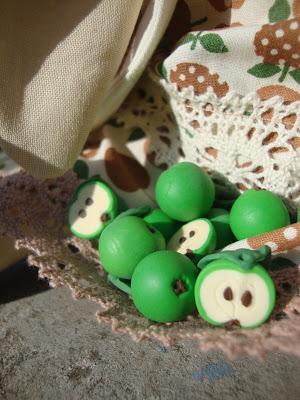 Яблоки из полимерной глины