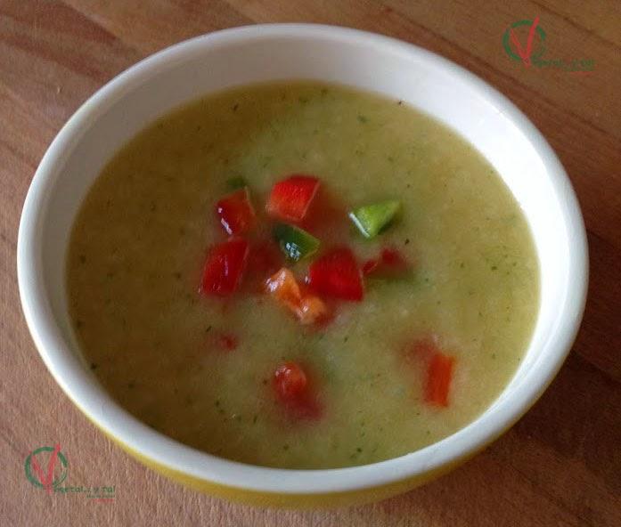 Sopa fría picante de melón con guarnición de pimiento