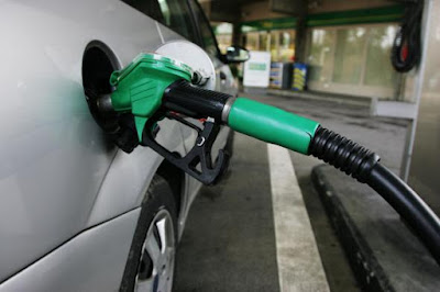 Στο αυτόφωρο υπάλληλος πρατηρίου καυσίμων που δεν δέχθηκε πιστωτική