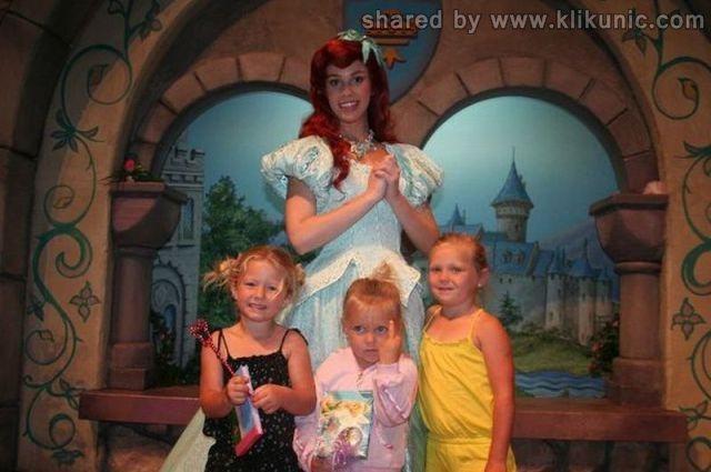 http://3.bp.blogspot.com/-tCDnBdXPM5U/TXnZAG3v_DI/AAAAAAAAQ2I/cfEqX3UapnM/s1600/funny_kids_640_01.jpg