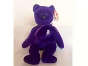 Wow Patung Beruang RM39 Ini Membuatkan Sepasang kekasih Mendapat Ratusan Ribu Ringgit