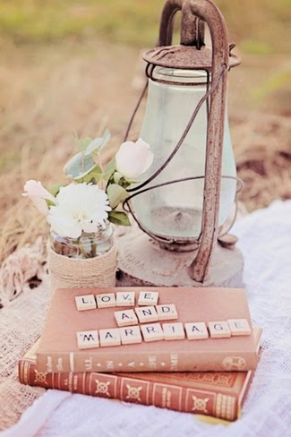 http://www.confettidaydreams.com/engagement-shoot-rustic-broadbeach-picnic/