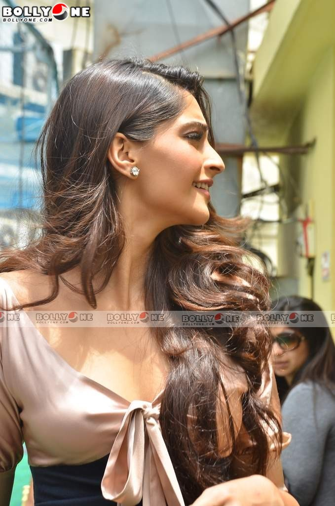 HOT Sonam Kapoor at Femina magazine launch at Crossword