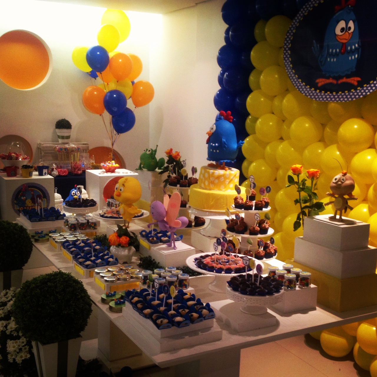 decoracao galinha pintadinha azul e amarelo:Festas Personalizadas em Brasília: Galinha Pintadinha Azul e Amarelo
