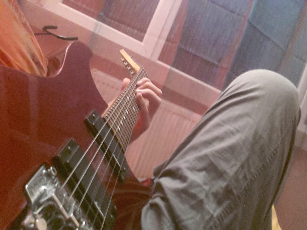 alper eratilla volvoks bilişim gitar
