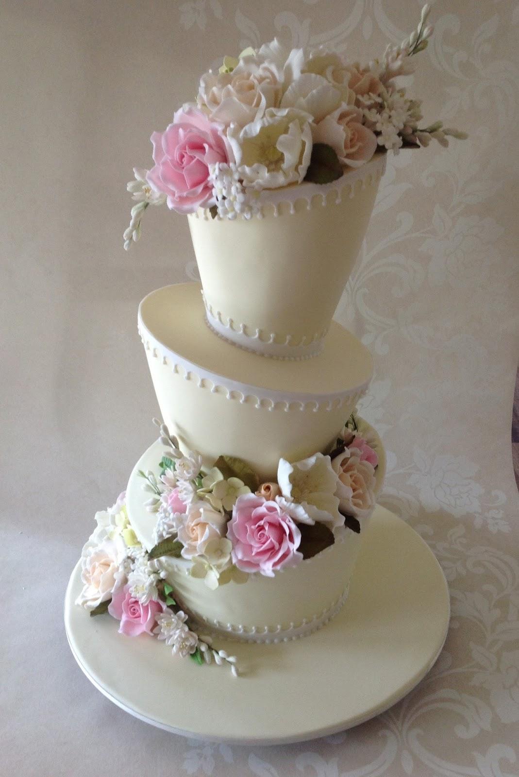 Anna Maria Cake Design: Floral mad hatter cake