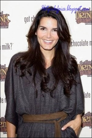 Hot Pics of Angie Harmon Girls