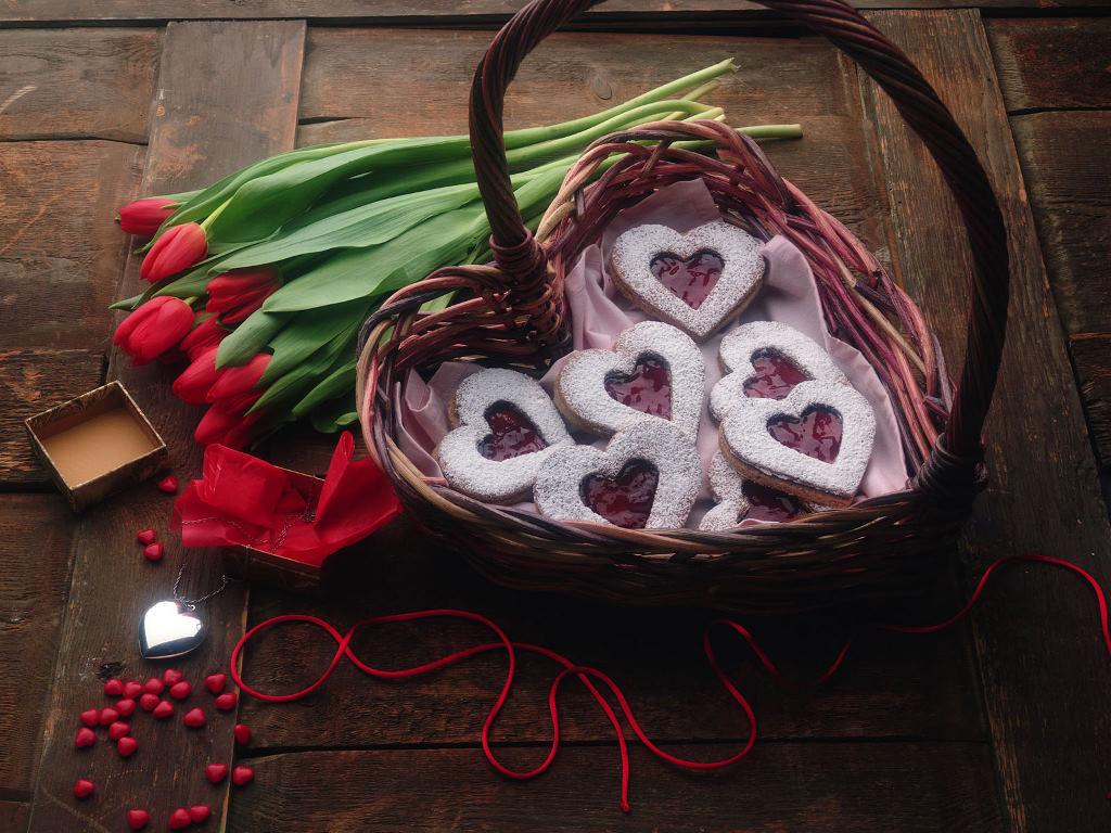 sweet-heart-candies-wallpaper_1024x768_36192.jpg
