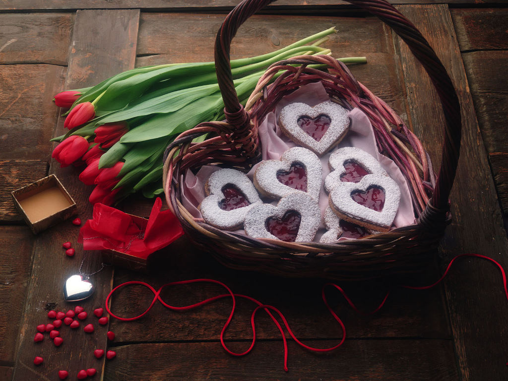 http://3.bp.blogspot.com/-tD-XcSAqlqw/TnW0wIZOCUI/AAAAAAAACDQ/9Y-dK7SCkAg/s1600/sweet-heart-candies-wallpaper_1024x768_36192.jpg