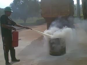 latihan pemadam kebakaran 3