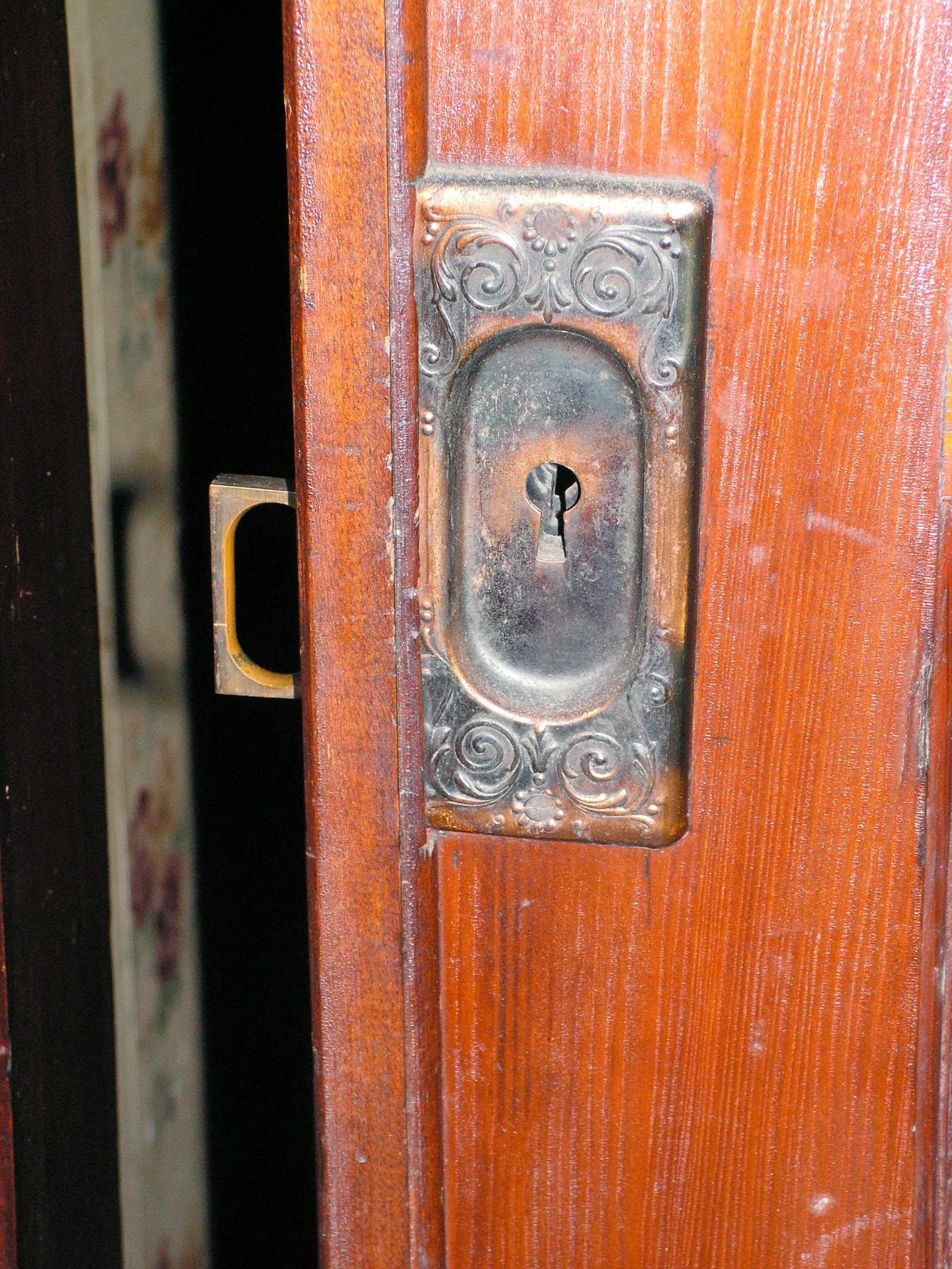Door Knobs/escutcheons