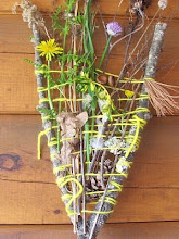 MAKE A NATURE WEAVING