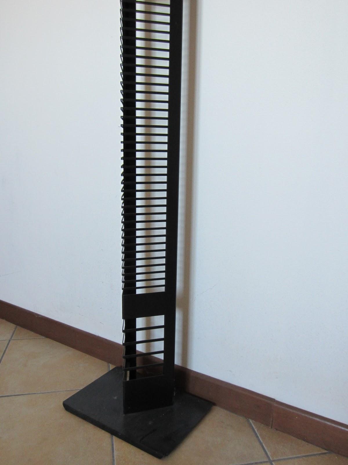 Porta CD in alluminio verticale di design, nero. Capacità 70 CD ...