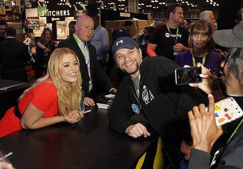 Sasha Pieterse with fans at New York Comic Con