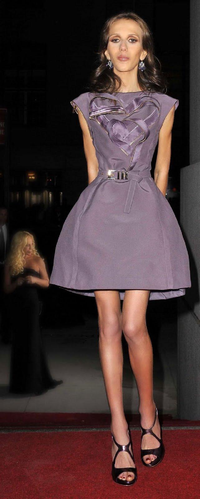 Nodejesdecomer: Allegra Versace habla sobre su anorexia