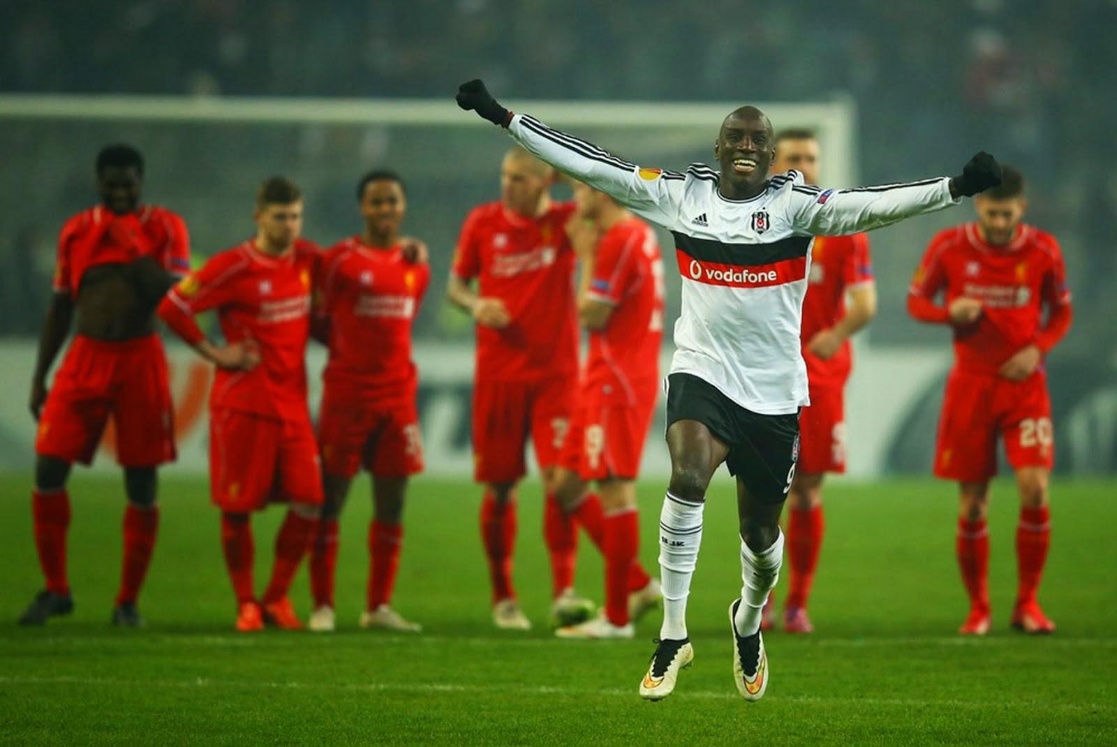 Demba BA celebrates the victory.