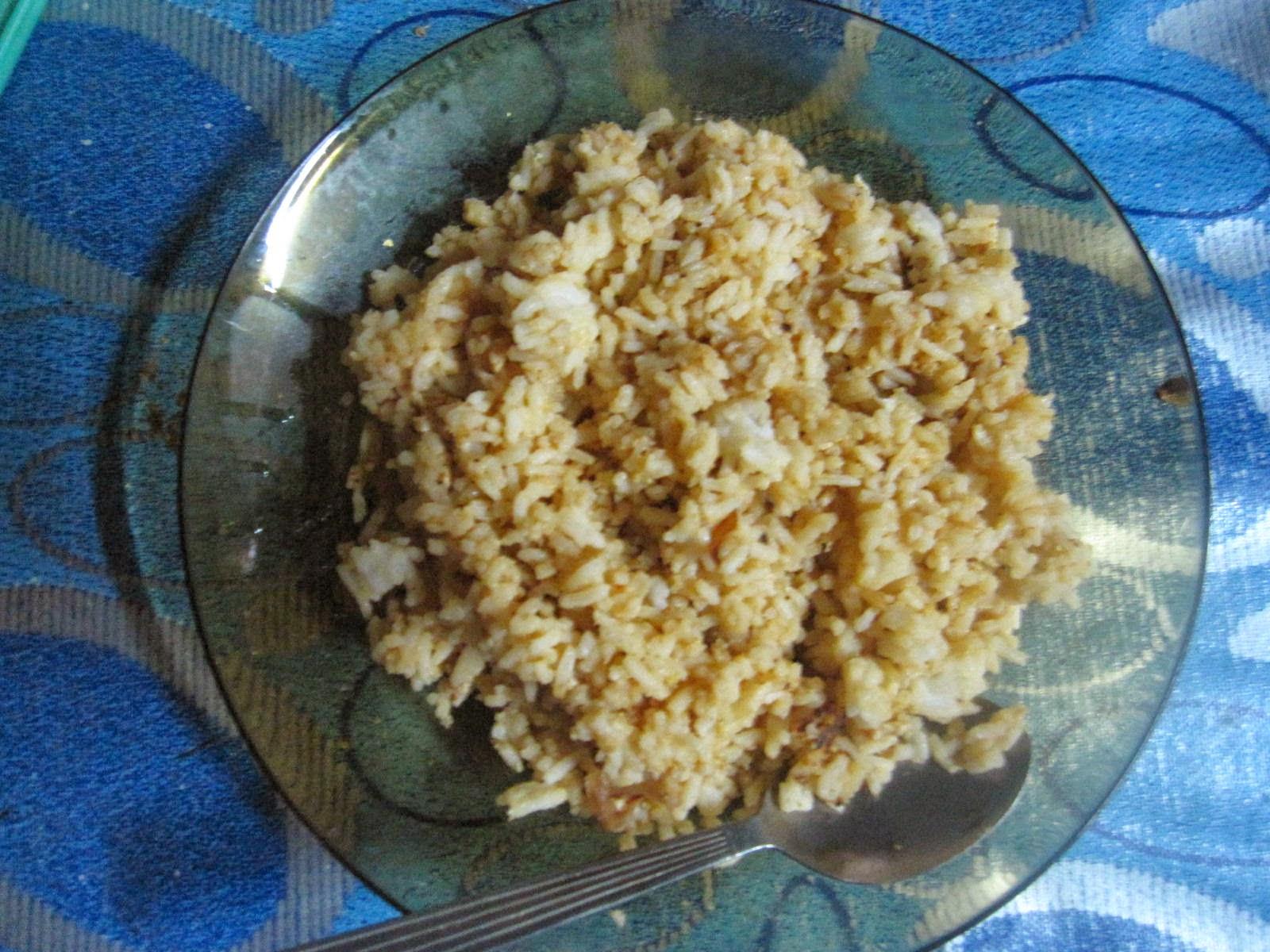Nasi goreng malas sedia untuk dimakan