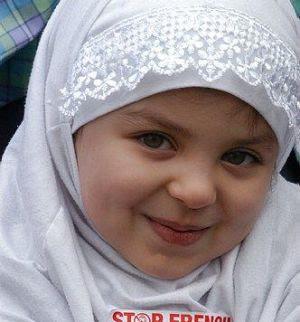 http://3.bp.blogspot.com/-tDvqM9SQby4/TdrxHHmFn6I/AAAAAAAAJ94/WFz7e-G2HXY/s1600/hijab+wallpapers%252847%2529.jpg